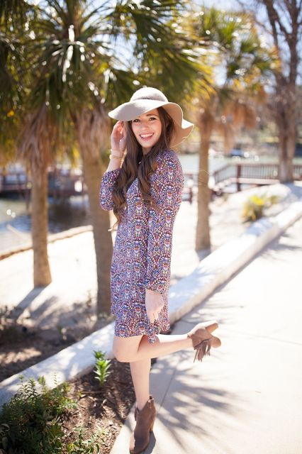 Southern Belle in Training: Palm Trees + Paisley Dress.