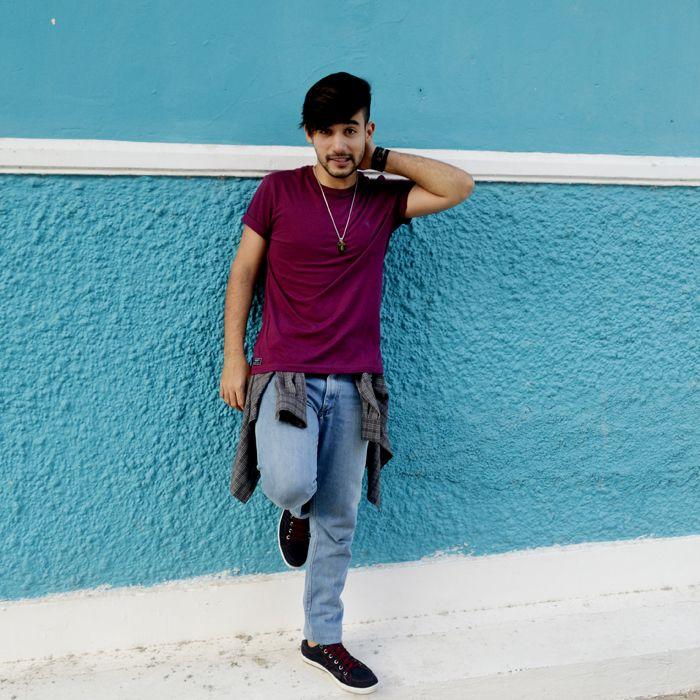 camisa amarrada, camiseta roxa, moda para homens www.boyestilo.com moda masculina