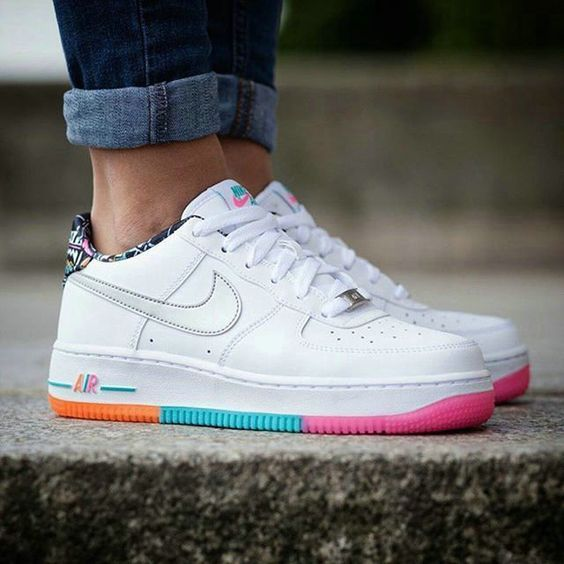 meilleur authentique 9bd95 fbdf4 air force one coloré #AIKOCHAUSSURE #BASKETFEMME ...