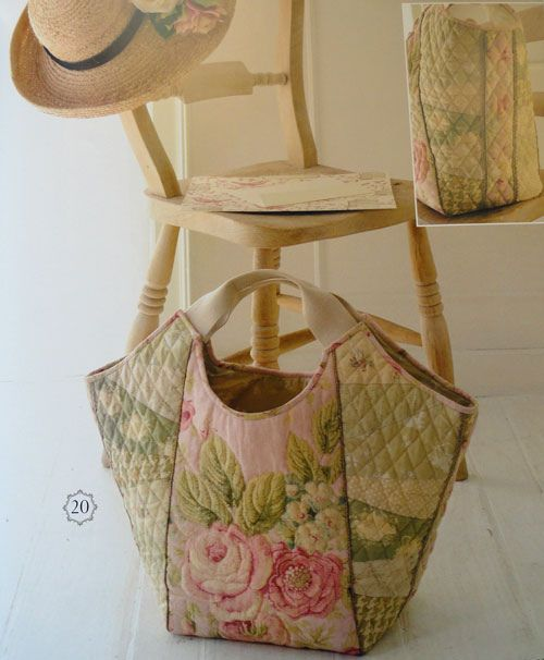 .Quilted tote bag with pink cabbage roses
