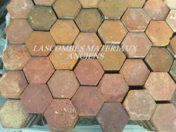 Lascombes Matériaux Anciens, expert en Tomettes anciennes, Cheminées, Pavés de rue et autres matériaux - Notre panel de tomettes et carreaux anciens