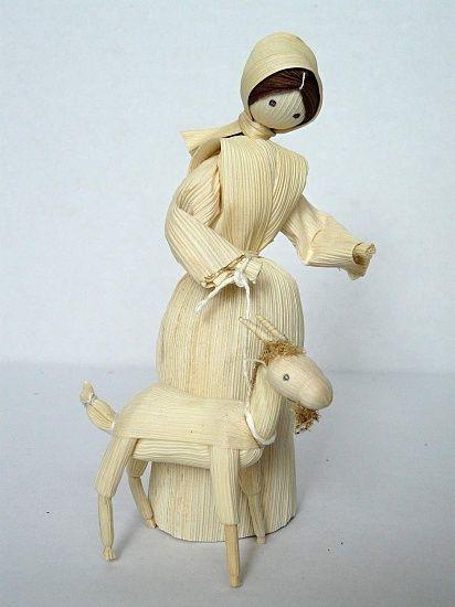 muñeca hecha con hojas de maiz