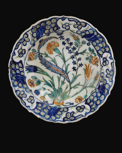 An Iznik Polychrome Dish, Turkey, circa 1560   Lot   Sotheby's