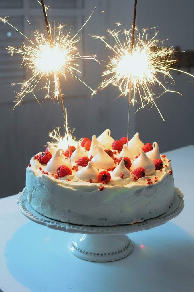 Gateau chocolat noir et framboises Happy Birthday