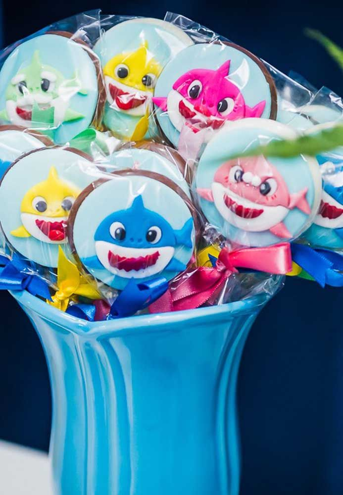 Personalized birthday party decorations or favors 12 baby shark bubble labels