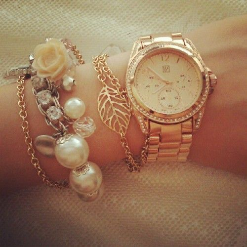 Love the rose bracelet and the rose gold wrist clock :)