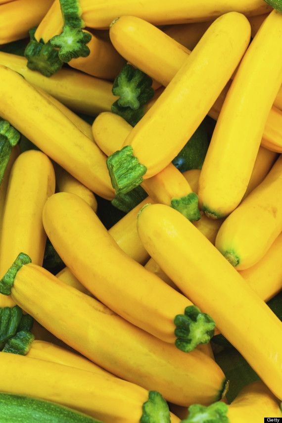 Huffington post explains difference between yellow zucchini, and yellow crookneck squash