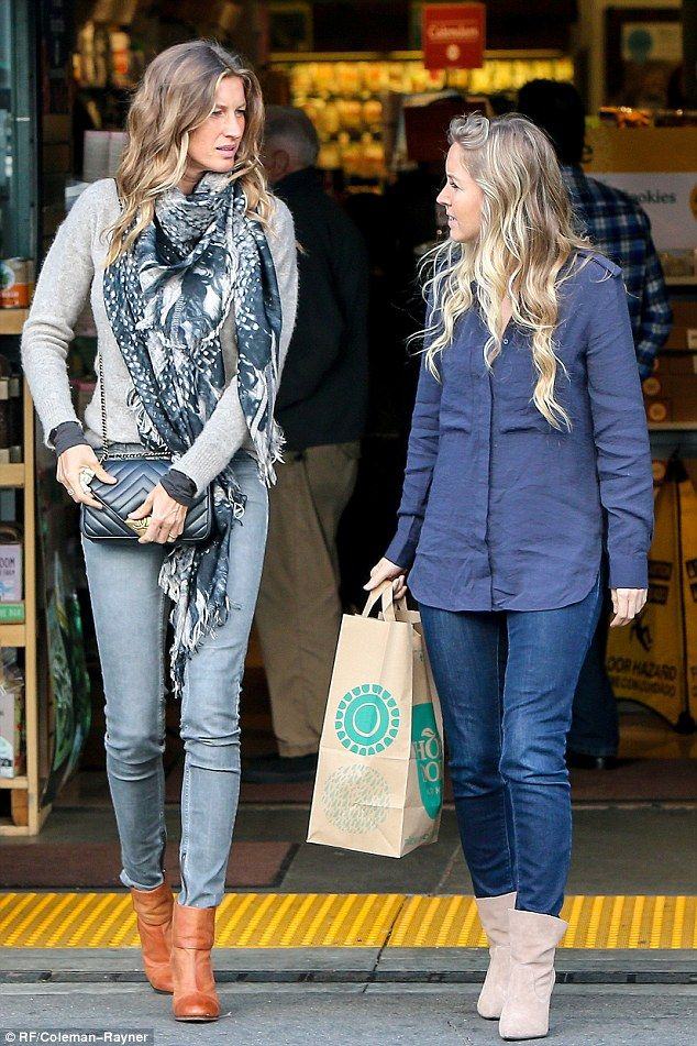 Errand-running: Gisele Bundchen and her younger sister Gabriela set aside a bit of Wednesday for a shopping trip at a Whole Foods in Beverly Hills