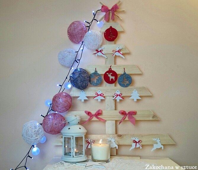 Moje ulubione dekoracje świąteczne 🎄🎅  #choinka #christmastree #christmas #bożenarodzenie #choinkadiy #christmastreediy #diy #rękodzieło #handmade #christmasdecoration #cottonballs #cottonballsdiy #cotton #lights #zakochanawsztuce
