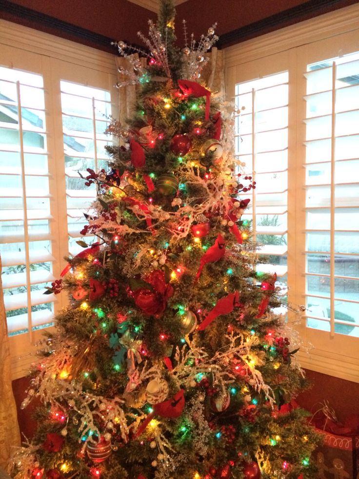 Red Cardinal Themed Christmas Tree Christmas Tree