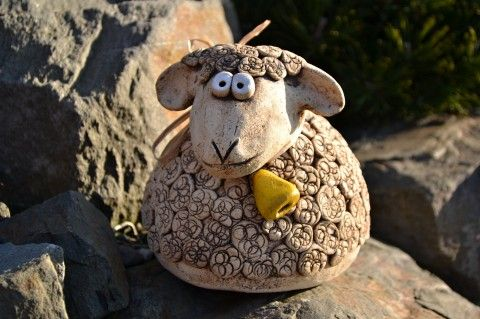 Keramická ovečka dekorace ovce ovečka zvoneček jaro velikonoce