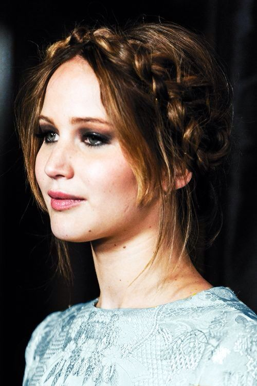 Jennifer Lawrence braided bun