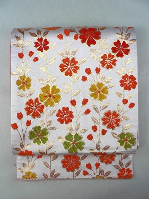 White Zentsu Fukuro Obi, Vermilion Flowers / 白地 鮮やか朱系の枝垂れ花柄 化繊全通袋帯   【リサイクル着物・アンティーク着物・帯の専門店 あい山本屋】#Kimono #Japan
