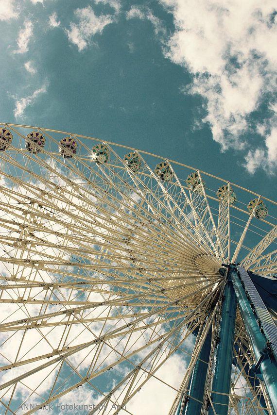 Riesenrad Wolken Und Blauer Vintage Himmel Architektur Etsy Riesenrad Fotografie Wolken