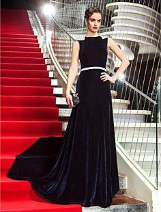 キム·カーダシアン(742167)に触発されたラインのスクープスイープ/ブラシトレインベルベットのイブニングドレス – JPY ¥ 14,574
