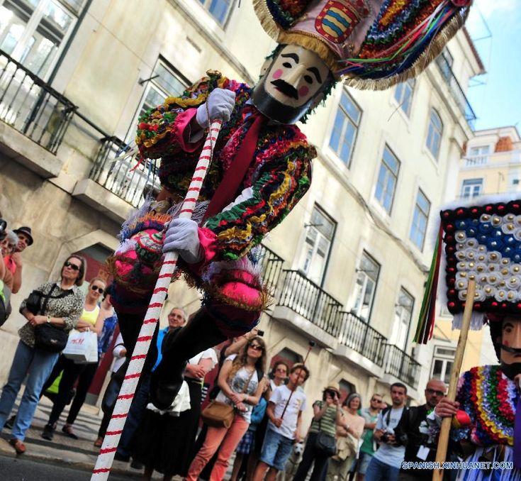 2016 | XI FESTIVAL INTERNACIONAL DE LA MASCARA IBERICA, EN LISBOA, PORTUGAL. FOTO: XINHUA (5 AL 8 MAY 2016) (900×830)