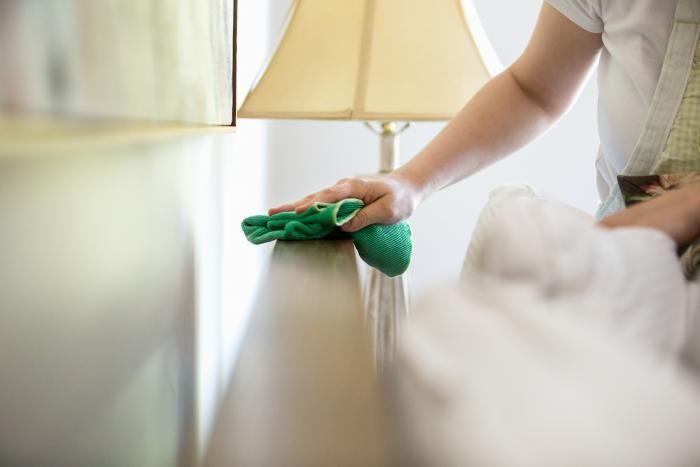 Wil je je haar verzorgen, keuken poetsen of onkruid verdelgen met één product? Met azijn klaar je zonder moeite elk klusje in huis. Het is niet alleen efficiënt, maar ook nog eens goedkoop. Wij zetten de beste tips op een rijtje.