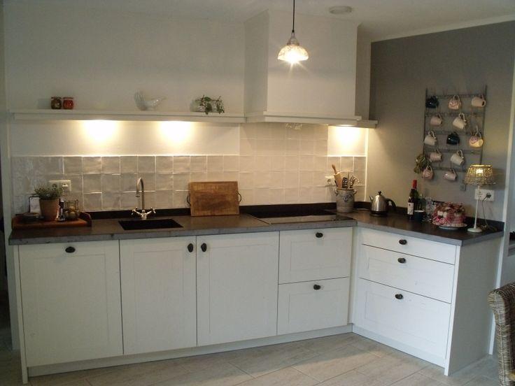 17 beste afbeeldingen over keukens op pinterest ramen plafondrand en kleine keukens - Kleine keuken uitgerust voor studio ...