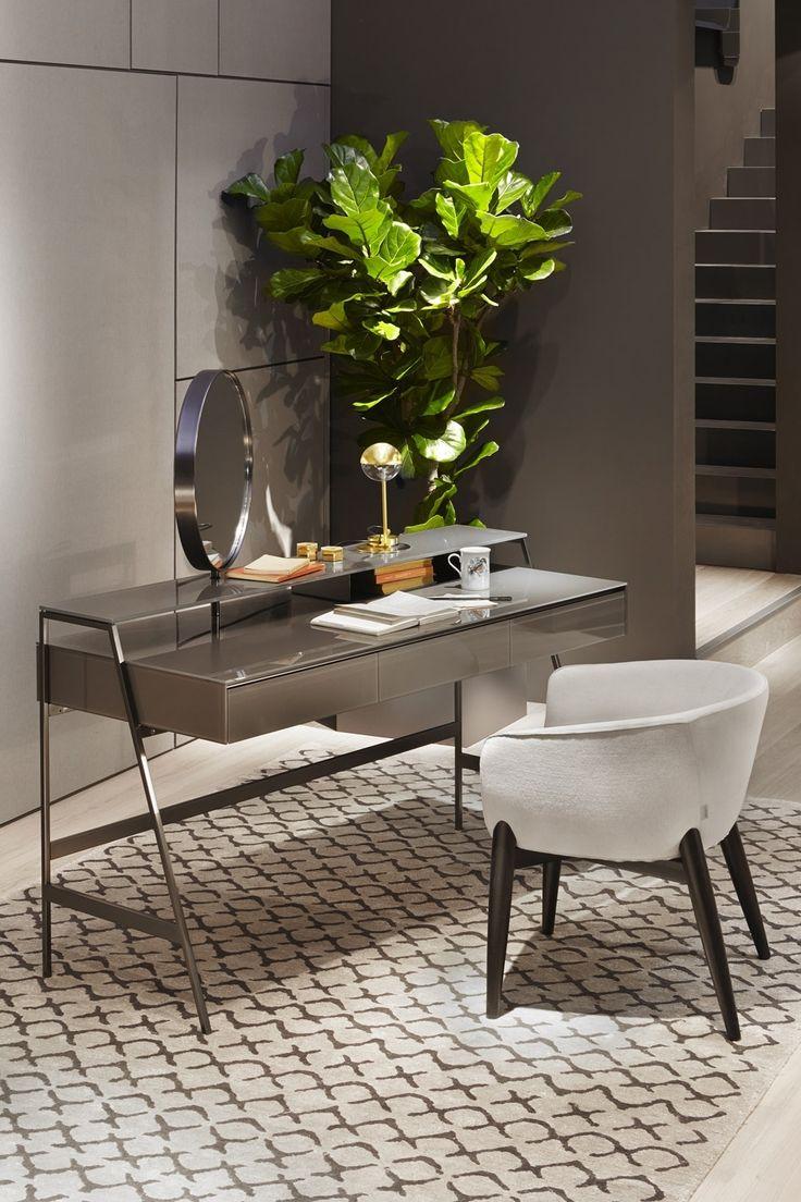 Venere desk by Gallotti and Radice