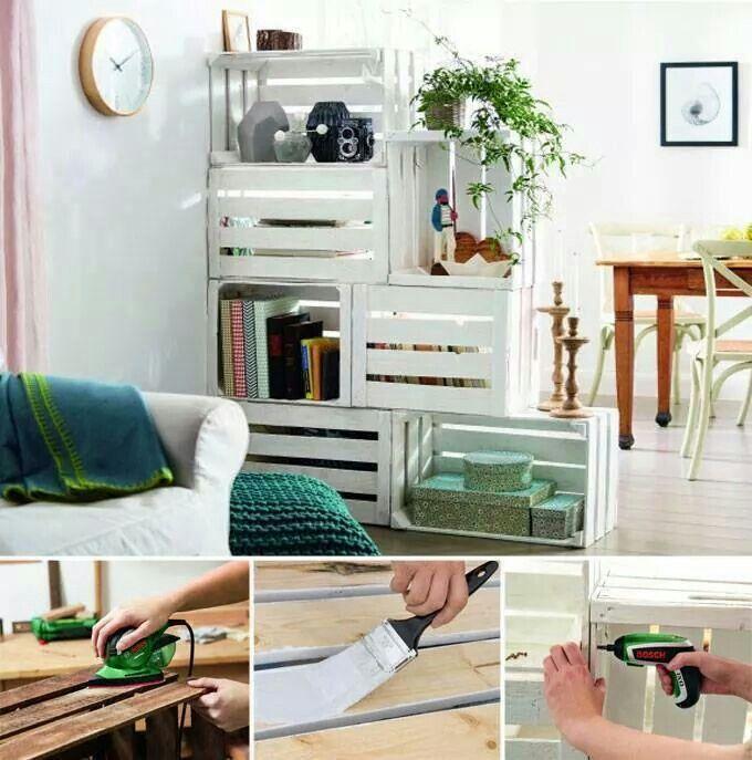 Composicion reciclada ideal para separar la zona del comedor de la zona de relax