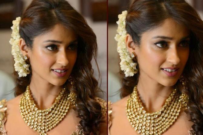 Gorgeous 'Gajra' Hairstyles For Your Wedding-ShaadiMagic