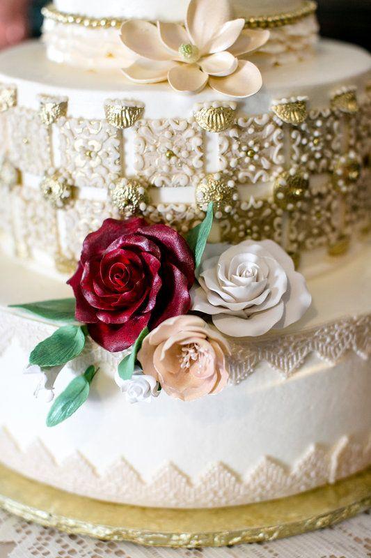 Elegant Wedding Cake For Jeanette Christopher S Wedding At Villa De Amore Southern California Wedding Venue