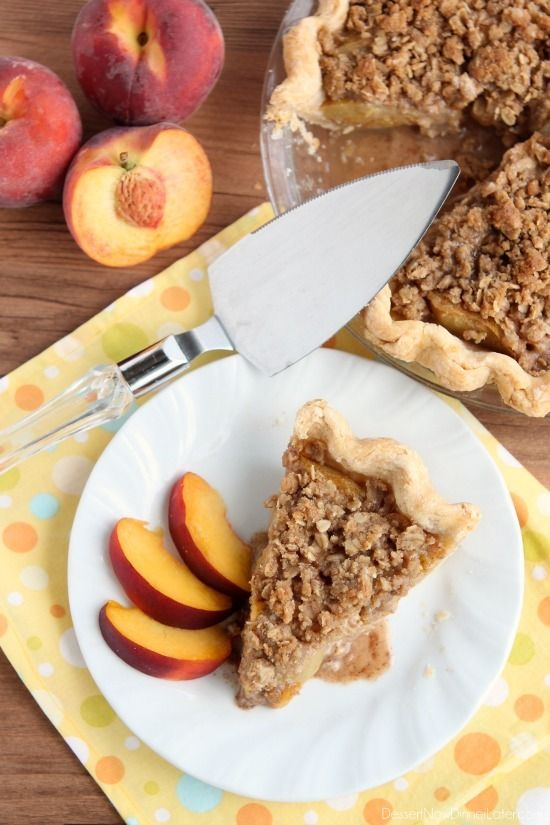 Peach Pie with a crunchy streusel topping from DessertNowDinnerLater.com #peach #pie #streusel