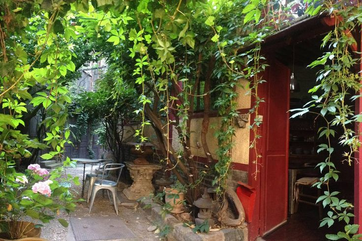 Check out this awesome listing on Airbnb: Exquisite garden hidden in Paris in Paris - Get $25 credit with Airbnb if you sign up with this link http://www.airbnb.com/c/groberts22