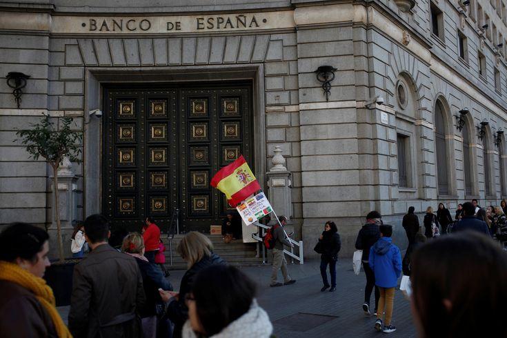 La salida de empresas de Catalunya sigue tras el 21-D pero a un ritmo muy bajo