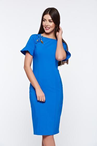 Rochie LaDonna albastra eleganta captusita pe interior cu aplicatii cusute manual - http://hainesic.ro/rochii/rochie-ladonna-albastra-eleganta-captusita-pe-interior-cu-aplicatii-cusute-manual-f307f0d78-starshinersro/