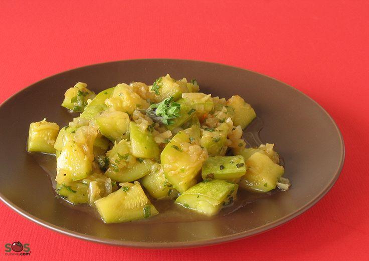 """SOSCuisine: #Zucchini à la #menthe  Cette recette peut être servie en accompagnement, ou comme """"sauce"""" sur un plat de pâtes, avec une bonne dose de parmesan râpé."""