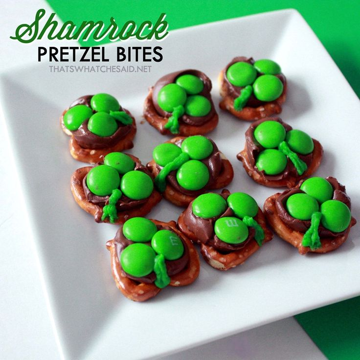 Hershey Kiss Shamrock Pretzel Bites1    DANG it!  I did the other, big, trickier ones!! Why didn't I just do these?!?!