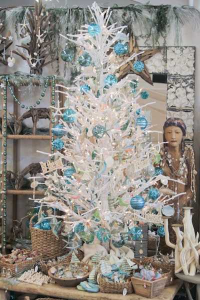 Beach Themed Christmas Tree White With Accents Of Blue Creamcicle Dining Room Christmas Tree