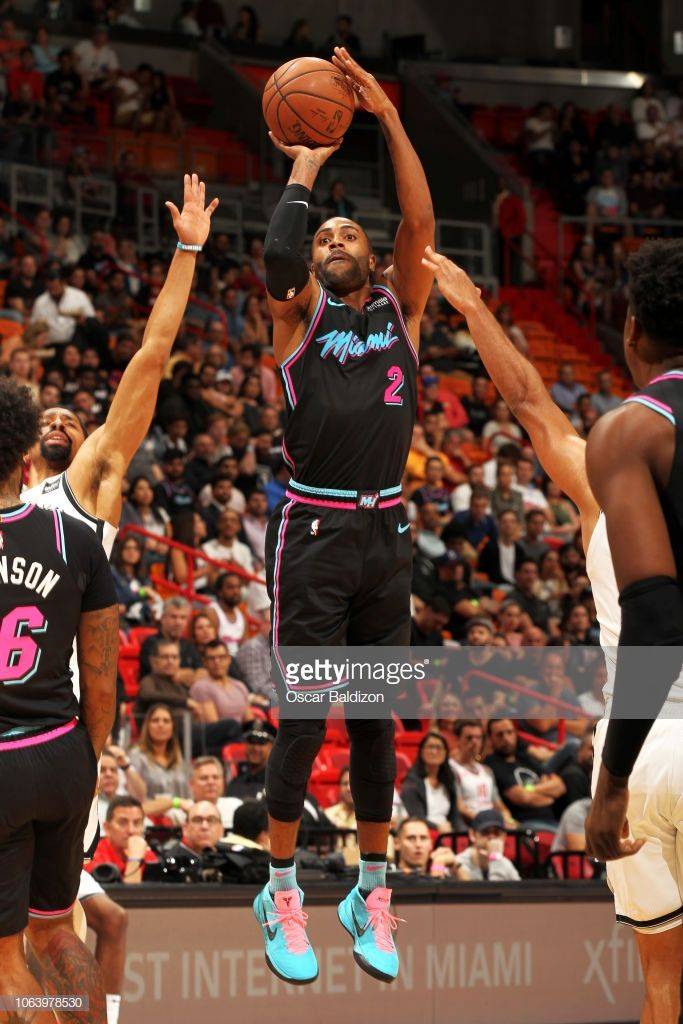 detailing cff3b 0c07c Wayne Ellington of the Miami Heat shoots the ball against ...