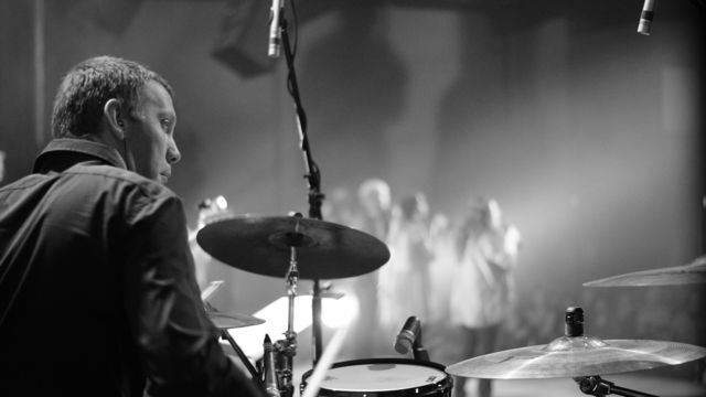 Playing at James Morrison Live At Edge Album Recording http://kelvinsugars.com/