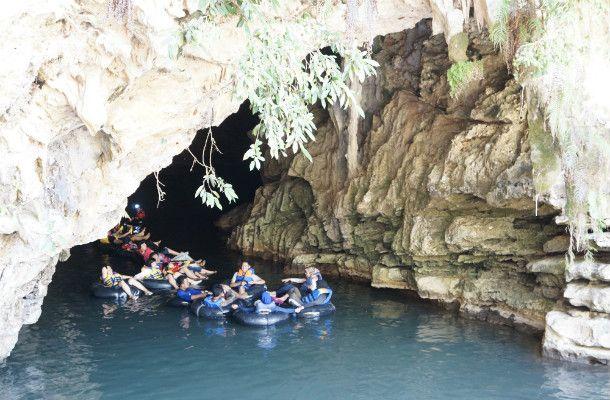 Yogya: cave tubing @ gunung kidul