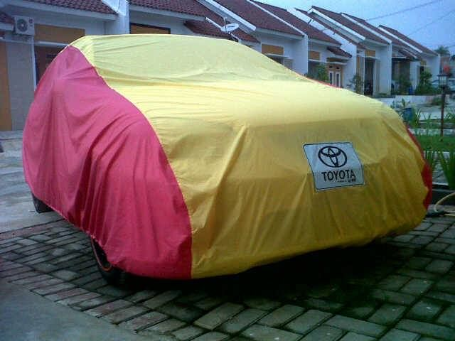 Cover Mobil Toyota Yellow and Red Maroon Combination, Body fit, Elegan, cocok untuk Toyota anda. SMS/WA/CALL: 082333400200 BBM : 2a9bacab