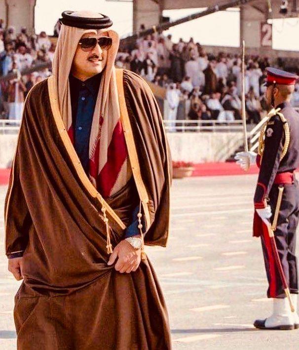 His Highness The Emir Sheikh Tamim Bin Hamad Al Thani Qatar سمو الشيخ تميم بن حمد بن خليفة آل ثاني أمير دولة قطر Fashion Academic Dress Style