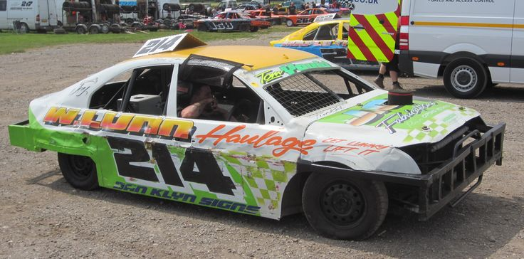 2lt Saloon Stock cars, Skegness Stadium.