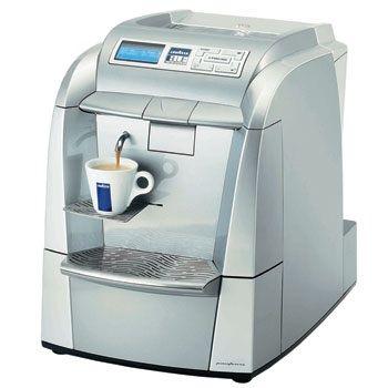Machine a cafe en location courte durée. #Location Machine a cafe #lavazza blue PRO Sin-le-Noble (59450)_www.placedelaloc.com/maison-vetements-soin/electromenager-gaufrier-crepiere
