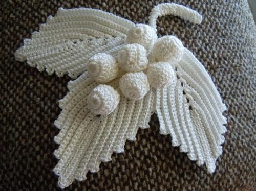 Cro crochet, grapes & leaf