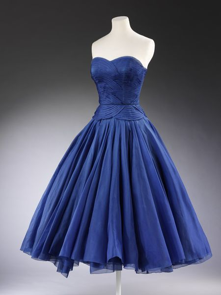 Cocktail dress by Jean Dessès, 1951 | Victoria and Albert Museum #fashion #vintage #Christmas