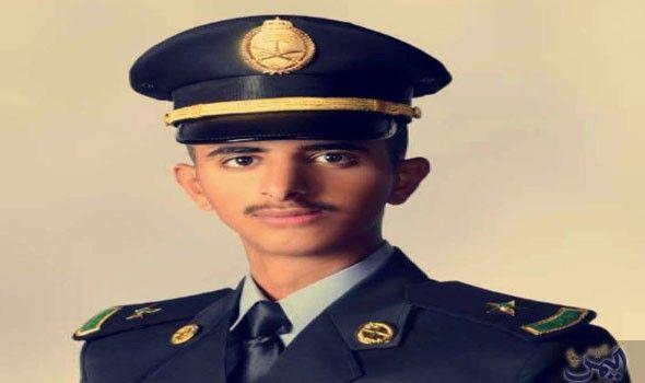 الملازم سعود بن ناصر يحتفي بتخرجه من كلية الملك خالد العسكرية Captain Hat Captain Hats