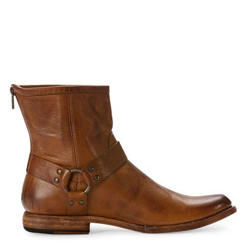 Frye schoenen heren Phillip Harness cognac - Boots for men in Cognac. International shipping -> free shipping in Europe. https://www.boeties.nl/frye-schoenen-heren-phillip-harness-cognac