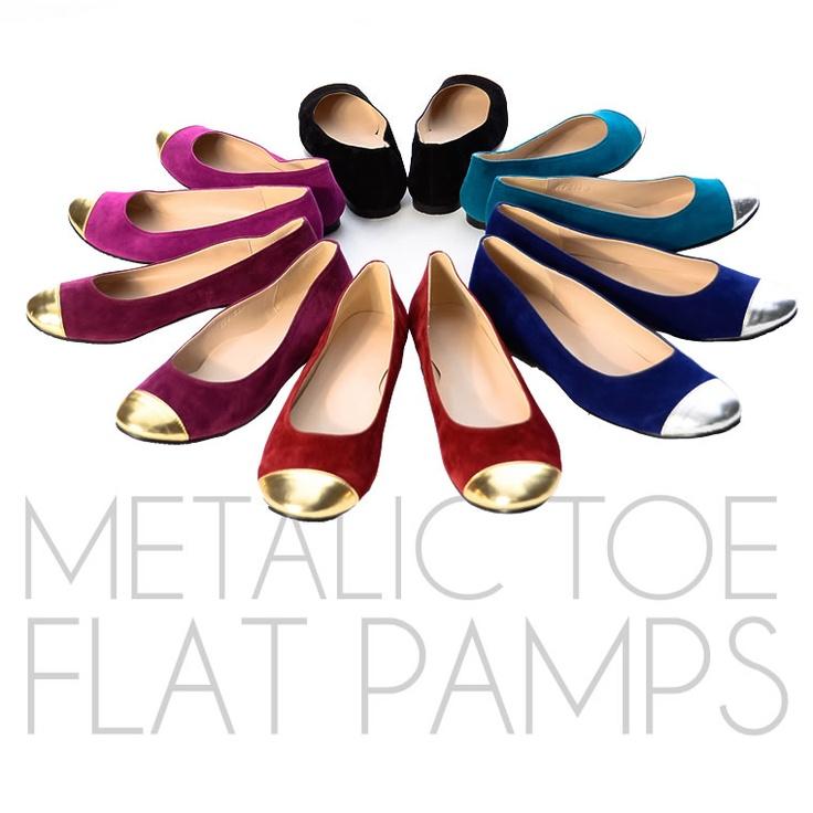 Metallic color pumps