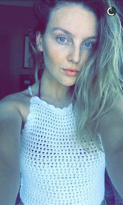 Perrie Edwards 2016 She's beautiful even without makeup!