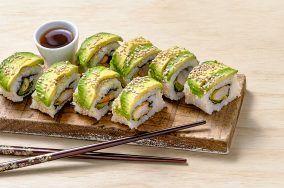 Cómo hacer Rollos de sushi de camarón asado con chipotle y aguacate | Receta