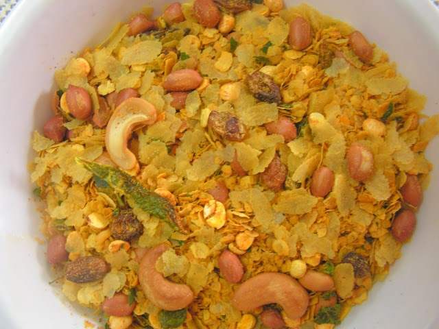 Oats-Poha Chivda « The Indian Food Court