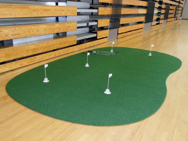 9′ x 15′ 5-Hole Pro Backyard or Indoor Putting Green – Made from the World's Best Turf