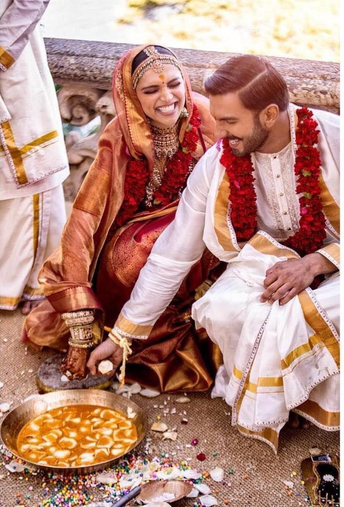 Cute Deepika Ranveer Portrait From Their South Indian Wedding In Italy See More On Wedmegood Com Wedmeg Bollywood Wedding Deepika Ranveer Deepika Padukone